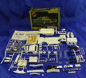 1969 Lincoln Continental AMT Plastic Model Car Kit  1/25 As Is Parts Car