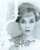 SYLVIA SYMS HAND SIGNED 8x10 PHOTO+COA           STUNNING+GORGEOUS YOUNG POSE