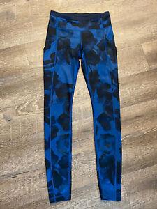 Lululemon black and blue floral full length legging size 4 running