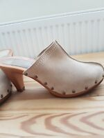 Used ladies shoes size 7 wide fit