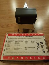 NEW HONEYWELL L4069A 1078 LIMIT CONTROL NEW OLD STOCK