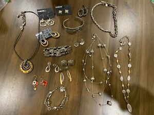 COOL BEANS JEWELRY BLOWOUT: Everything CHICOS in this Lot GO CHICOS!! CK-10
