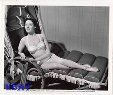 Linda Darnell busty leggy VINTAGE Photo Lady Pays Off circa1951