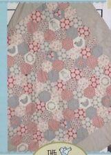 Pretty Little Hexies - stitchery & EPP pieced quilt PATTERN- Birdhouse