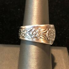 1950 * Delight by Meridan * Sz 8 * Silver Plate Floral Spoon Ring