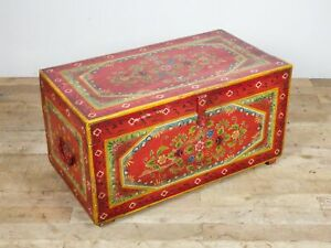 Vintage Indian Folk Art Hand Painted Wooden Blanket Chest Coffee Table MILL-1153