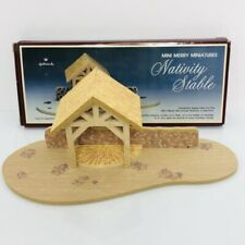 Hallmark Merry Miniatures Nativity Stable Vintage 1988 Wood Creche