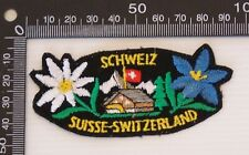 VINTAGE SCHWEIZ SUISSE EMBROIDERED SOUVENIR PATCH WOVEN CLOTH SEW-ON BADGE