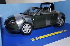 AUDI TT Roadster Verde Scuro 1:18 REVELL NUOVO & OVP 8979