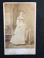 Victorian Carte De Visite CDV: Lady: Yerbury: Edinburgh