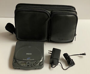 RCA Personal Compact Disc Player - RP-7913B Tested/Works w/Carrying Case and CDs
