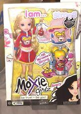 poupée mannequin moxie girl Avery  et accessoires  livrée dans sa boite