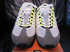 Nike Vintage D.S 2003 AIR MAX 95 OG Cool Grigio/Neon Giallo del Regno Unito taglia 8/9 U.S.A