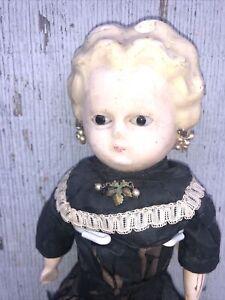 "Antique Wax Over Pumpkin Head / 13 1/2 """