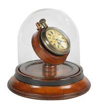 G516: Gründerzeit Taschenuhr auf edlem Kirschholzständer unter Glasdom, Uhr