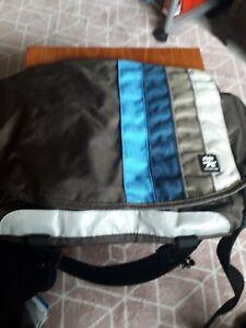 Crumpler Shoulder Strap Dinki Di Messenger Bag