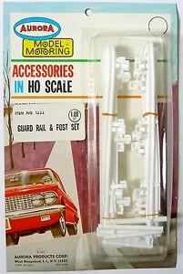 Aurora Model Motoring Lock Joiner HO Slot Car WHITE GUARD RAIL & POST SET #1232