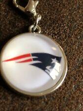 NEW ENGLAND PATRIOTS Raised Pendant Dangle Charm Jewellery Bracelet Key Ring NFL
