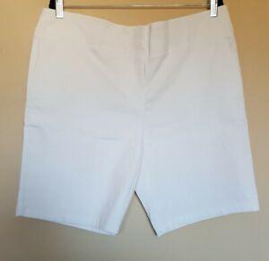 NEW Izod Golf Women's Size 16 White Bermuda Length Stretch Shorts (I