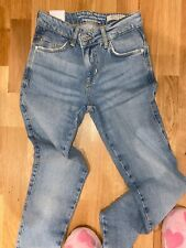 Guess Jeans 24 Sexy Curve New Collection