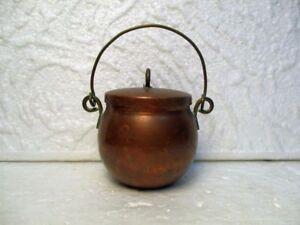Petit chaudron ou petite marmite décorative en cuivre