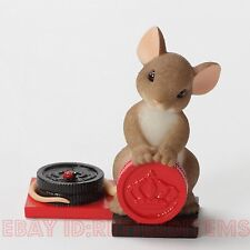 Nice Move Charming Tails Mouse Playing Checkers Figurine Enesco tales Leaf Acorn< 00004000 /a>