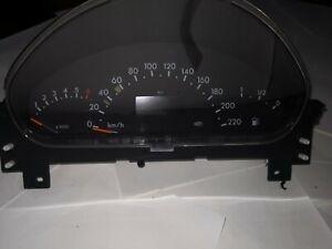MERCEDES-BENZ A-CLASS (W168) Tachometer A1685408811