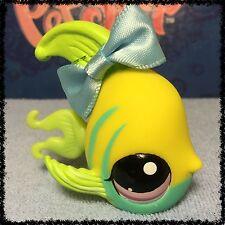 Littlest Pet Shop #1121 Yellow Angelfish w/ Blue Stripes & Purple Eyes