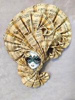 Dea della Musica - Maschera veneziana artigianale in ceramica e carta musicale