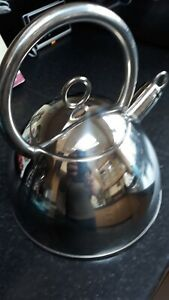 2 LITRE STAINLESS STEEL WHISTLING KETTLE GAS ELECTRIC & INDUCTION HOBS