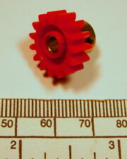 Gear - brass hub 4 mm bore 15 teeth - with grub screw