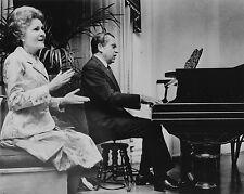 RICHARD NIXON PLAYS PIANO WHILE WIFE PAT SINGS IN 1973 - 8X10 PHOTO (ZZ-234)
