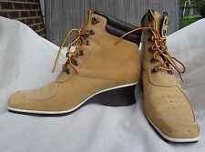 Timberland Women's Canarsie Leather Wedge Hiking Ankle Boot  Wheat Size 9.5M EUC