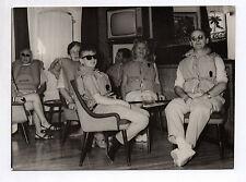 PHOTO ANCIENNE Curiosité Exercice de sauvetage Drôle Grotesque Télévision Gilet