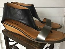 Bare Traps Balkan Sandals Women's Sz 9.5M Excellent Condition!