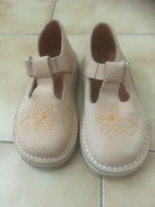 CHAUSSURES FILLE POINT. 25. TEX