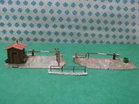 Vintage H0  -  RUSTICO con passaggio a sbarra x 2 + steccato    -  Faller 170