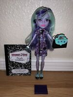 Monster High Twyla New Scaremester Doll + Outfit Shoes