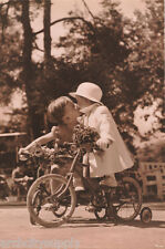 Vintage POSTER.Stylish Graphics.Boy and girl kissing.Room art Decor.702i