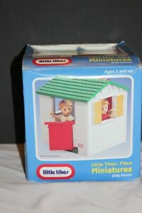 little tikes doll house size playhouse in the box