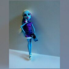 Monster High Scaris City Frights Abbey Bominable Doll + EXTRA Outfit Accessories