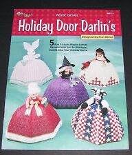 PLASTIC CANVAS PATTERN LEAFLET BOOK 2000 HOLIDAY DOOR DARLIN'S 993114