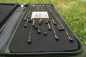 Ready made carp rigs x 20  to include stiff rig wallet Curve 8 and 6 Barbless
