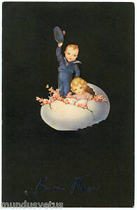 Children IN One Oeuf. Children. Egg. Small Marin. Little Sailor. Fleurs. Flowers