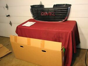 2007-2014 GMC YUKON GM OEM GRILLE NEW TRUCK TAKE OUT