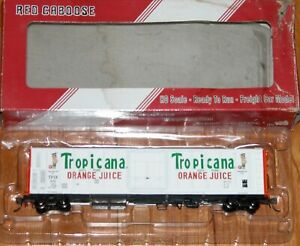 RED CABOOSE RR-34814-04 R-70-15 TROPICANA WHITE W/ ORANGE ENDS & 2 FIGURES 1983