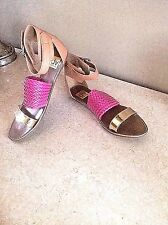 NWT 10M DOLCE VITA FROM SFA PINK WOVEN SANDAL W/GOLD TOE STRAP AND SADDLE ANKLE