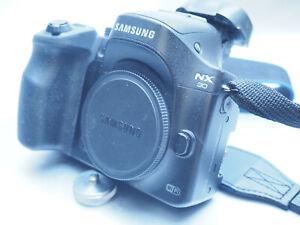 Samsung NX30 kompakte Systemkamera 20,3MP Full HD Video, Wi-Fi, mit Probleme