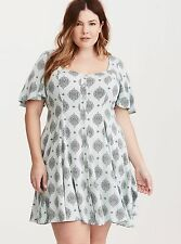 Torrid Dress Size 1 Medallion Mint Green Knee Length Flare Buttons Plus Size NWT