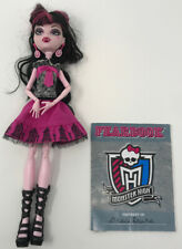 Monster High Doll DRACULAURA PICTURE DAY Purse Shoes Dress Earrings Outfit